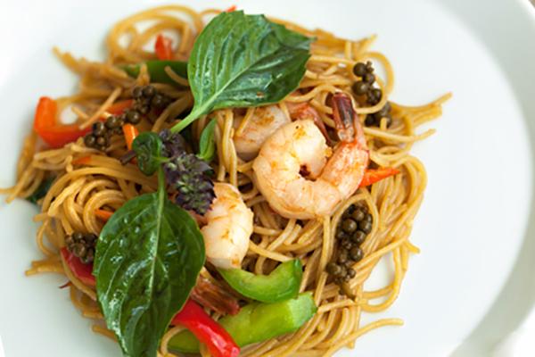 Shrimp Pasta with Basil Leaves